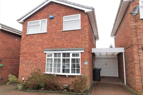 Giles Road, Lichfield. 3 bedroom link detached house