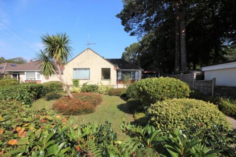 Whitby Avenue, Broadstone, BH18. 2 bedroom bungalow