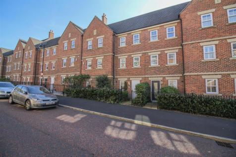Featherstone Grove, Newcastle Upon Tyne. 5 bedroom town house