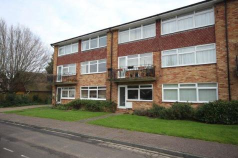 Hengist Close, Horsham. 2 bedroom maisonette