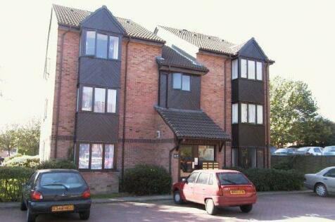 Manor Fields, Horsham. Studio flat