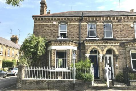 The Mount, Reading, RG1. 3 bedroom semi-detached house
