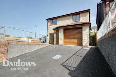 Rhes Ysgol, Cwmcelyn, Blaina, Blaenau Gwent. 4 bedroom detached house