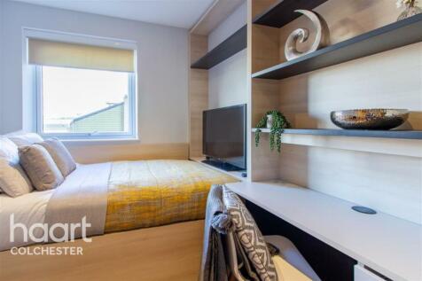 Standard Ensuite, Hythe Mills. 1 bedroom flat