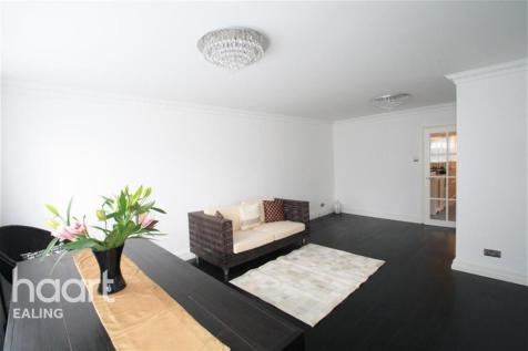 Park Hill, Ealing, W5. 3 bedroom flat