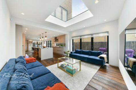 Milligan Street, E14. 3 bedroom semi-detached house for sale