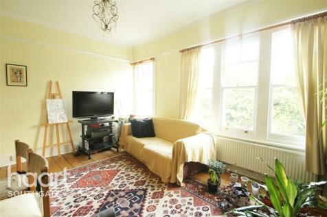 Whiteman Road, N8. 3 bedroom flat