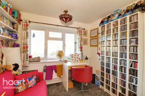 Southall. 2 bedroom flat for sale