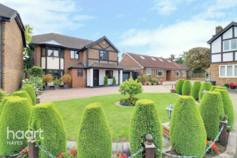 Dukes Ride, UXBRIDGE. 4 bedroom detached house for sale