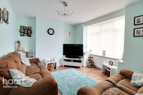Stratton Road, Swindon. 3 bedroom detached house for sale