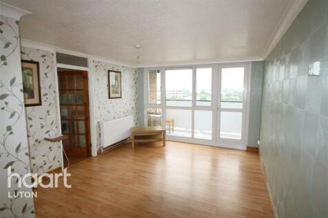 Kingsland Court, Luton. 2 bedroom flat