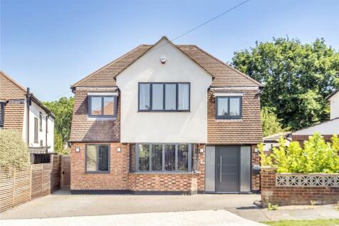 Angle Close, Uxbridge, Middlesex, UB10. 5 bedroom detached house