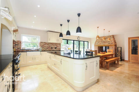 Roxwell Road, Chelmsford. 6 bedroom detached house for sale