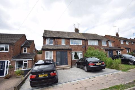 Deans Furlong, Tring. 4 bedroom semi-detached house for sale