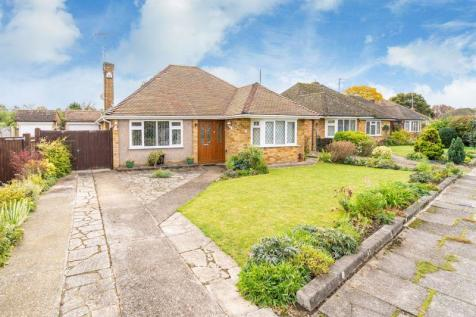 Grove Park, Tring. 2 bedroom bungalow for sale