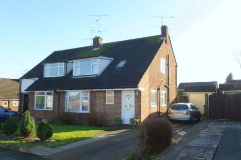 TRING. 3 bedroom semi-detached house