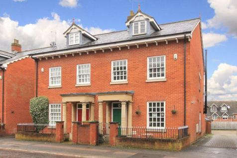 Tring. 4 bedroom semi-detached house for sale