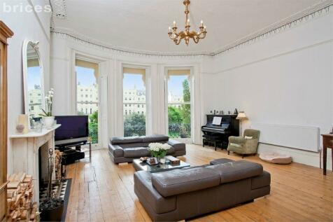 Brunswick Square, Hove, BN3. 3 bedroom maisonette for sale