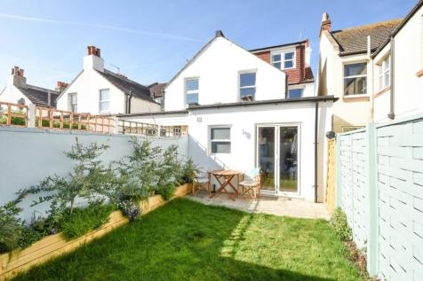 Victoria Road, Shoreham-by-Sea, BN43. 4 bedroom end of terrace house for sale