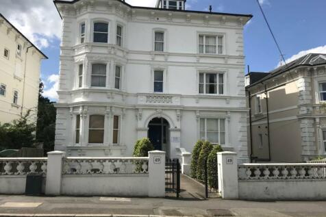Upper Grosvenor Road, Tunbridge Wells, Kent. 2 bedroom flat