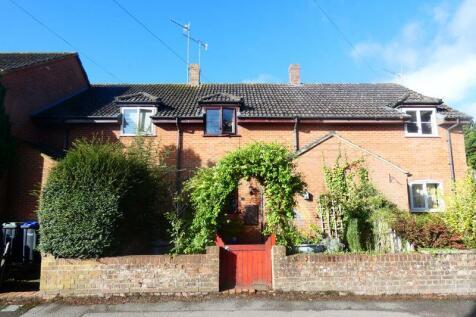 Station Road, Tisbury. 2 bedroom terraced house