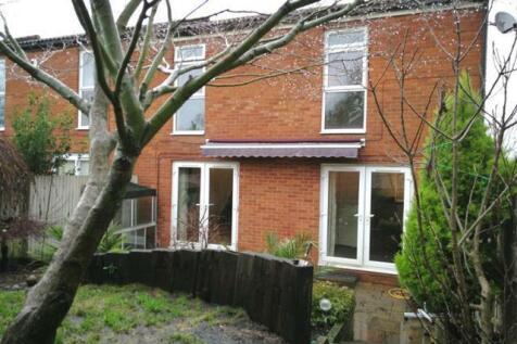 Hopton Road, STEVENAGE. 3 bedroom end of terrace house