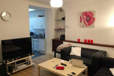 New Park Terrace, Pontypridd, South Glamorgan, Rhondda Cynon Taff, CF37. 4 bedroom house share