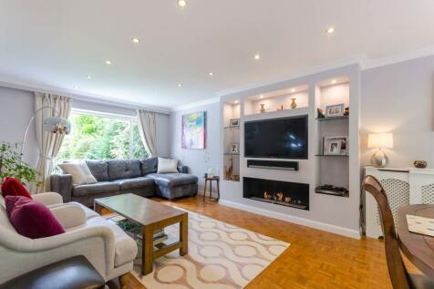 Boundary Way, Shirley, Croydon, CR0. 4 bedroom house
