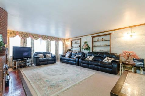 Upfield, Croydon, CR0. 4 bedroom detached house
