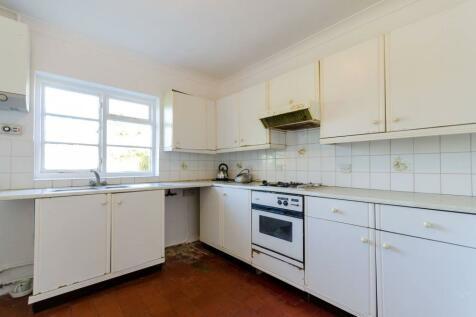 Grimwade Avenue, Lloyd Park, Croydon, CR0. 4 bedroom house for sale