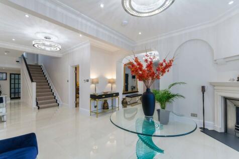 Castlemaine Avenue, South Croydon, CR2. 7 bedroom detached house for sale