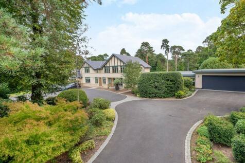 Shirley Hills Road, Shirley, Croydon, CR0. 5 bedroom house for sale