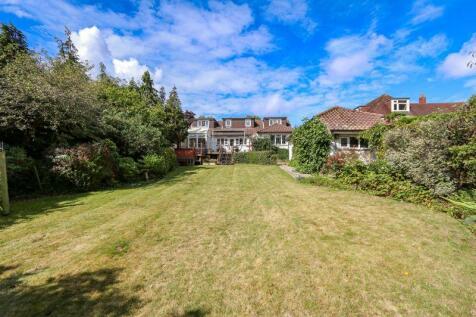 Southampton Hill, Titchfield. 5 bedroom detached bungalow