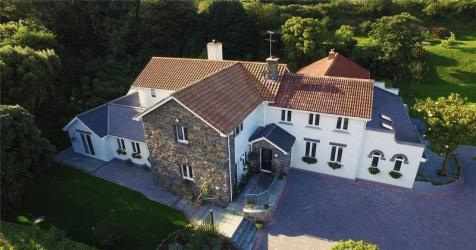 La Ruette, Des Fries, Guernsey. 7 bedroom detached house for sale