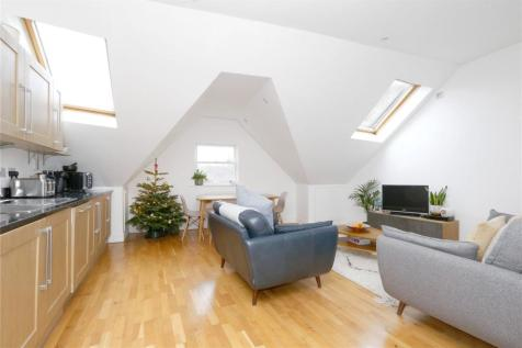 Beatrice Road, Stroud Green, London, N4. 2 bedroom flat for sale