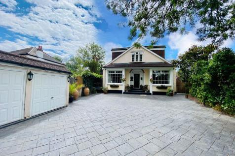 Willows, Faesten Way, Bexley DA5 2JB. Detached house