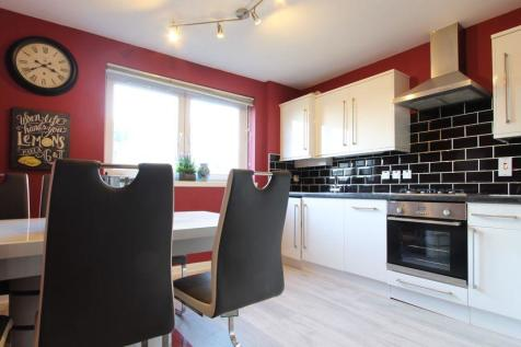 Claremont Gardens, Aberdeen AB10 6RG. 3 bedroom flat for sale