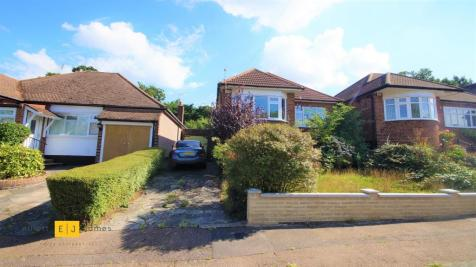 Dacre Gardens, Chigwell. 3 bedroom detached bungalow