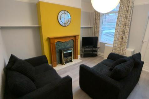 Upper Newborough Street, Clifton. 2 bedroom terraced house
