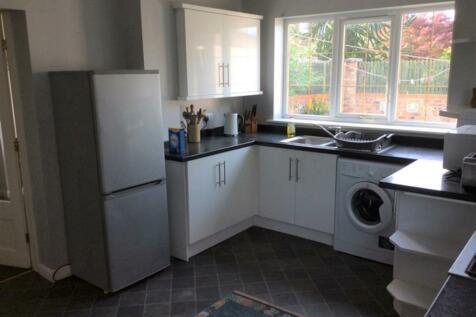 Maple Avenue, Bishopthorpe. 4 bedroom terraced house