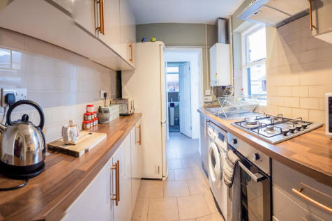 Woodbine Avenue, Leicester. 3 bedroom terraced house