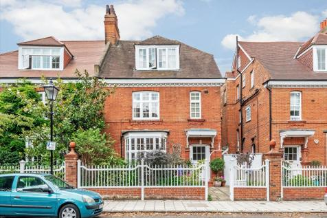 Priory Avenue, Chiswick, London, W4. 6 bedroom semi-detached house