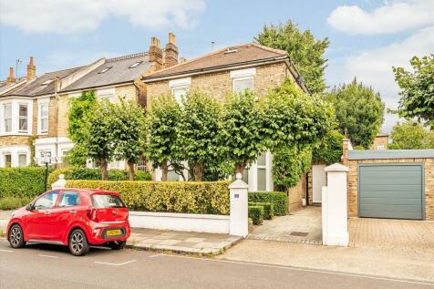 Heathfield Gardens, London, W4. 5 bedroom detached house