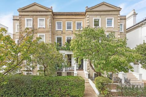 St. Peters Square, London, W6. 5 bedroom terraced house