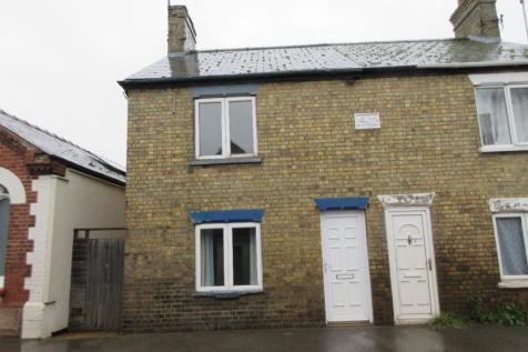 Wisbech Road, Outwell. 3 bedroom semi-detached house