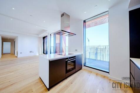 London City Island, Orchard Place, London, E14 0JU. 3 bedroom penthouse