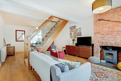 Glencoe Road, Weybridge. 2 bedroom end of terrace house for sale