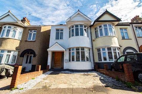 Priory Avenue, Southend-on-Sea, Essex. 4 bedroom semi-detached house