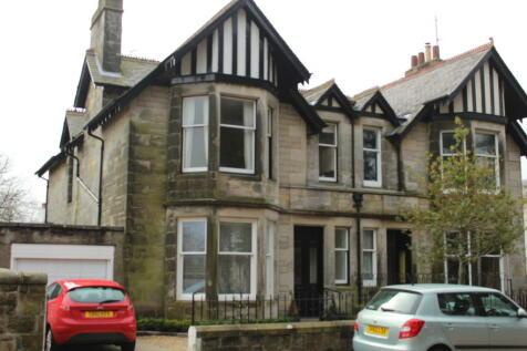 Buchanan Gardens, St Andrews, Fife, KY16. 3 bedroom apartment