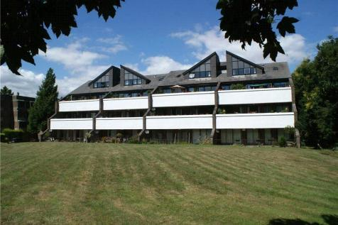 Tollhouse Close, Chichester, West Sussex. 3 bedroom apartment for sale